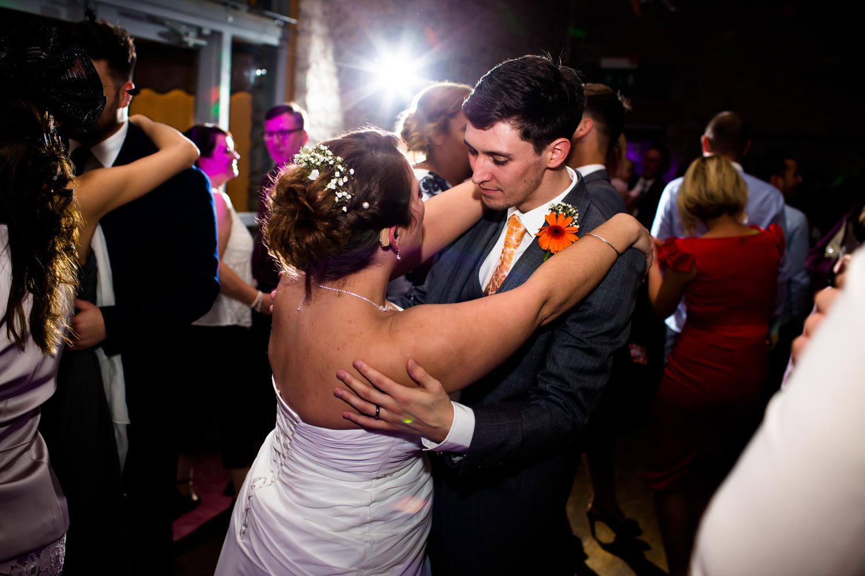 Mark_Barnes_Bristol_wedding_photographer_folly_farm_centre_weding _photography-52.jpg