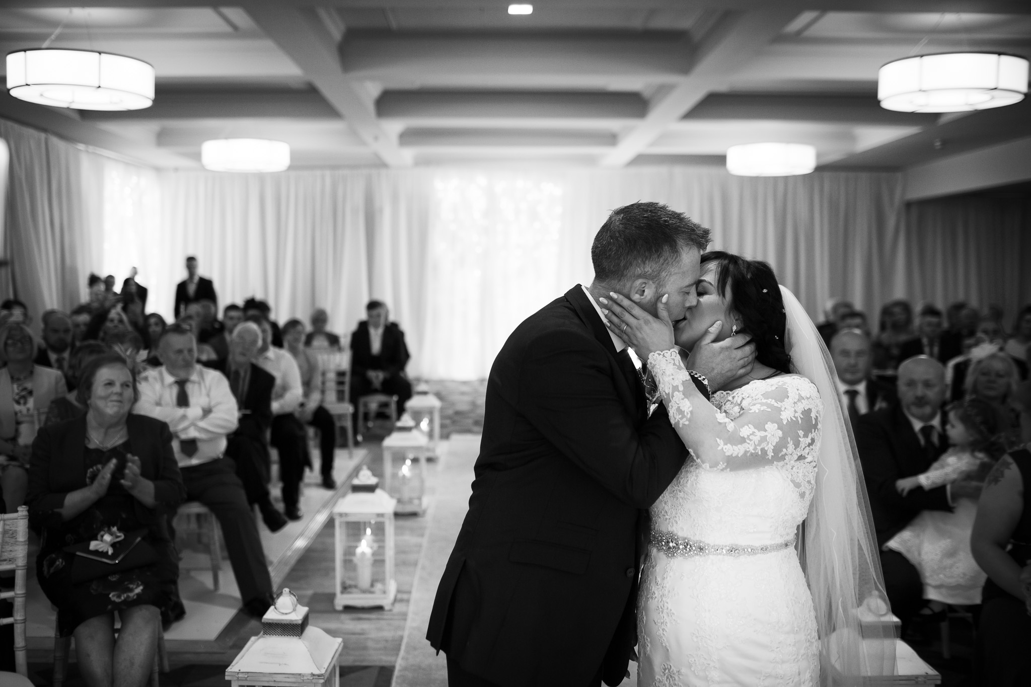 Mark_Barnes_Northern_Ireland_Wedding_Photography_Marine_hotel_ballycastle_Wedding_Photography_Janet&Darren-15.jpg