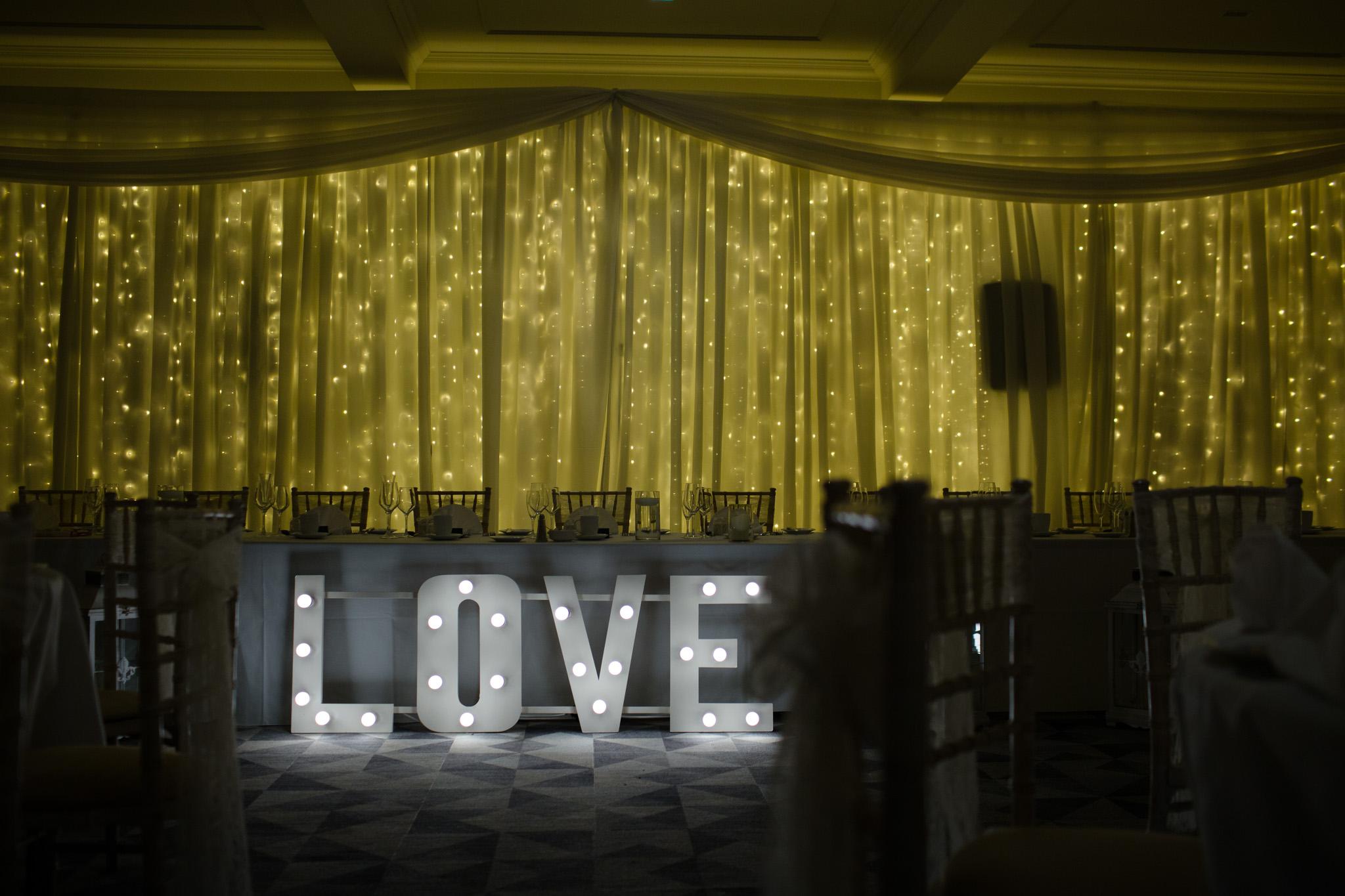 Mark_Barnes_Northern_Ireland_Wedding_Photography_Marine_hotel_ballycastle_Wedding_Photography_Janet&Darren-25.jpg