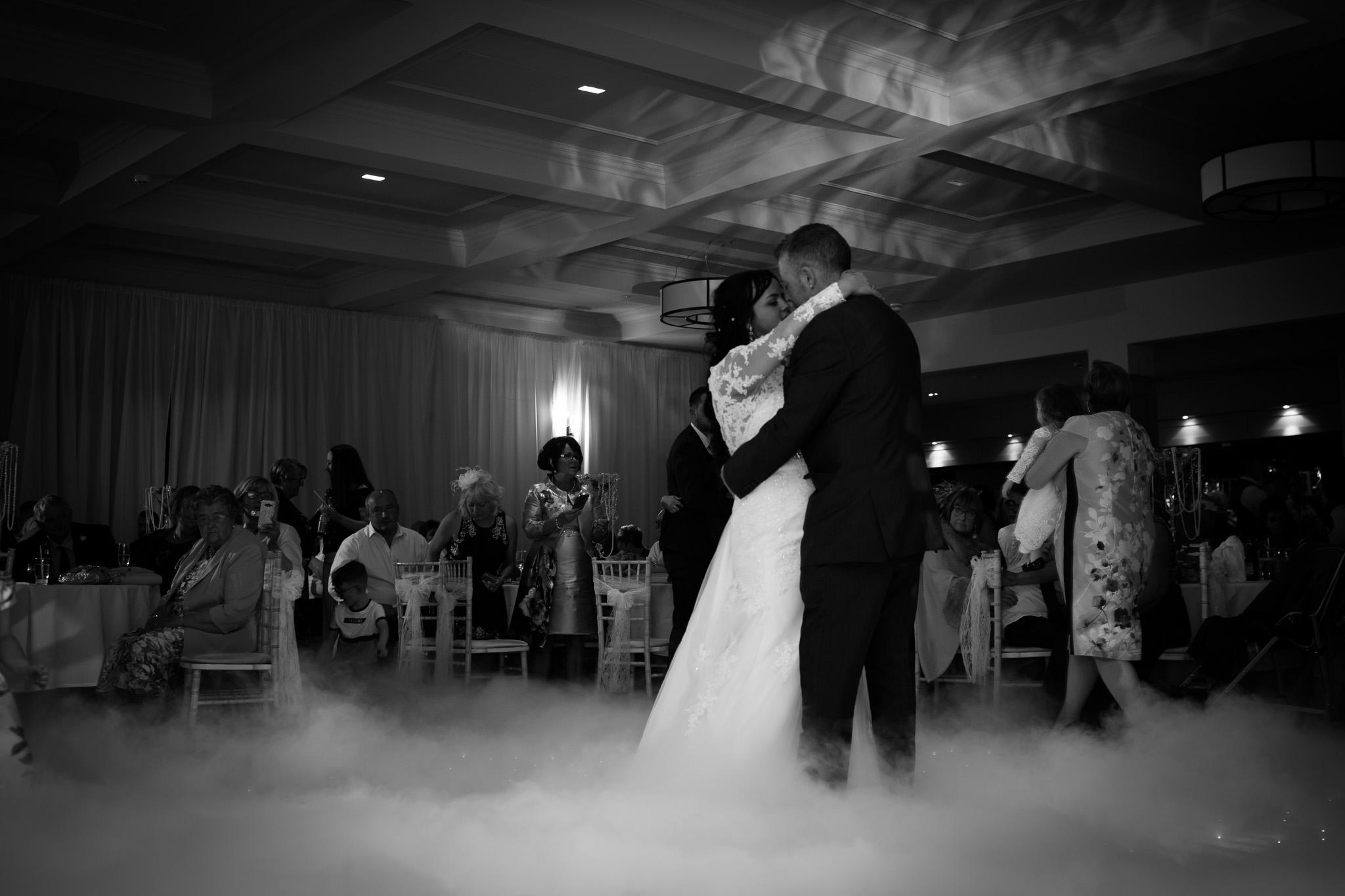 Mark_Barnes_Northern_Ireland_Wedding_Photography_Marine_hotel_ballycastle_Wedding_Photography_Janet&Darren-40.jpg