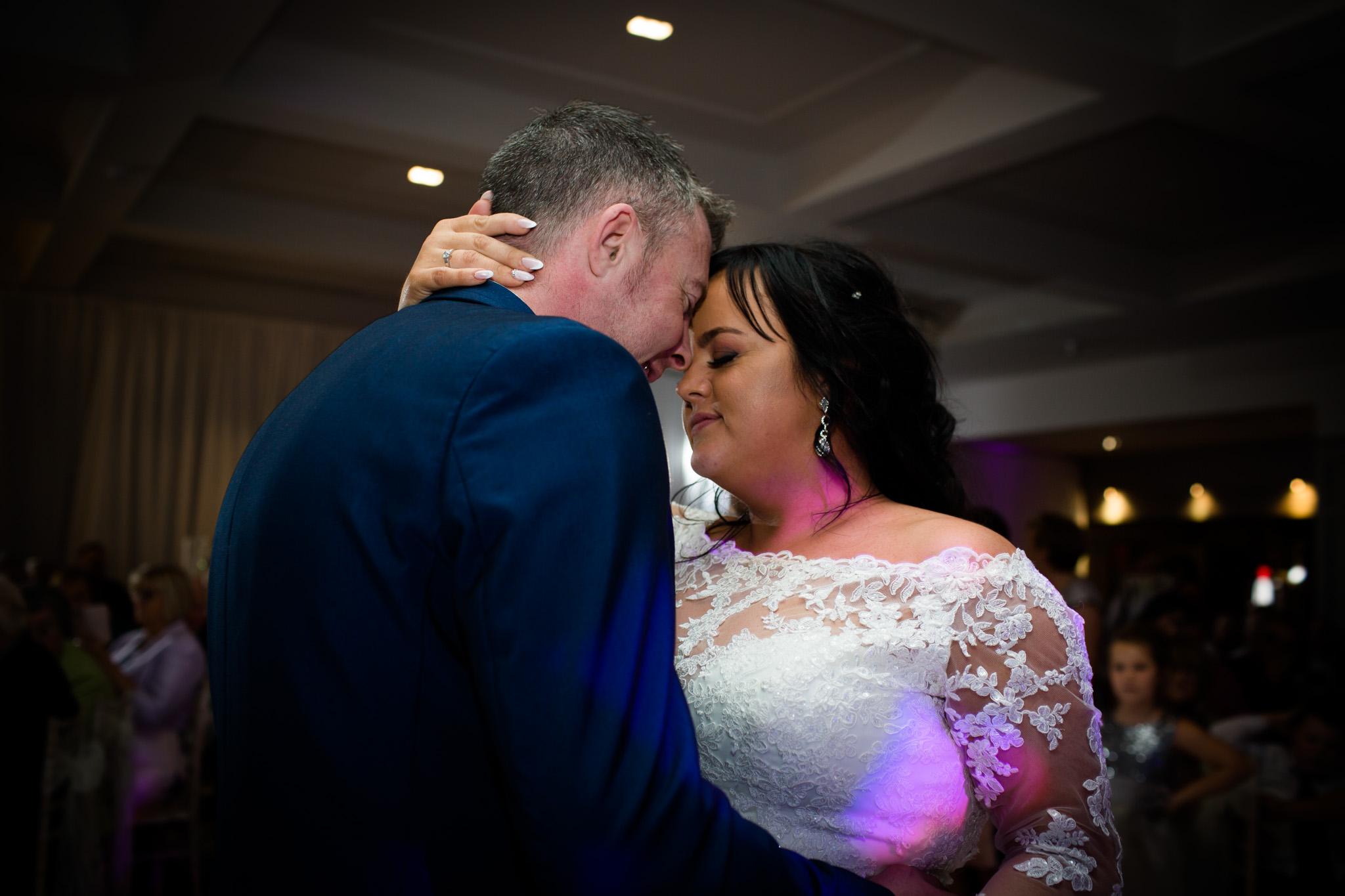 Mark_Barnes_Northern_Ireland_Wedding_Photography_Marine_hotel_ballycastle_Wedding_Photography_Janet&Darren-41.jpg
