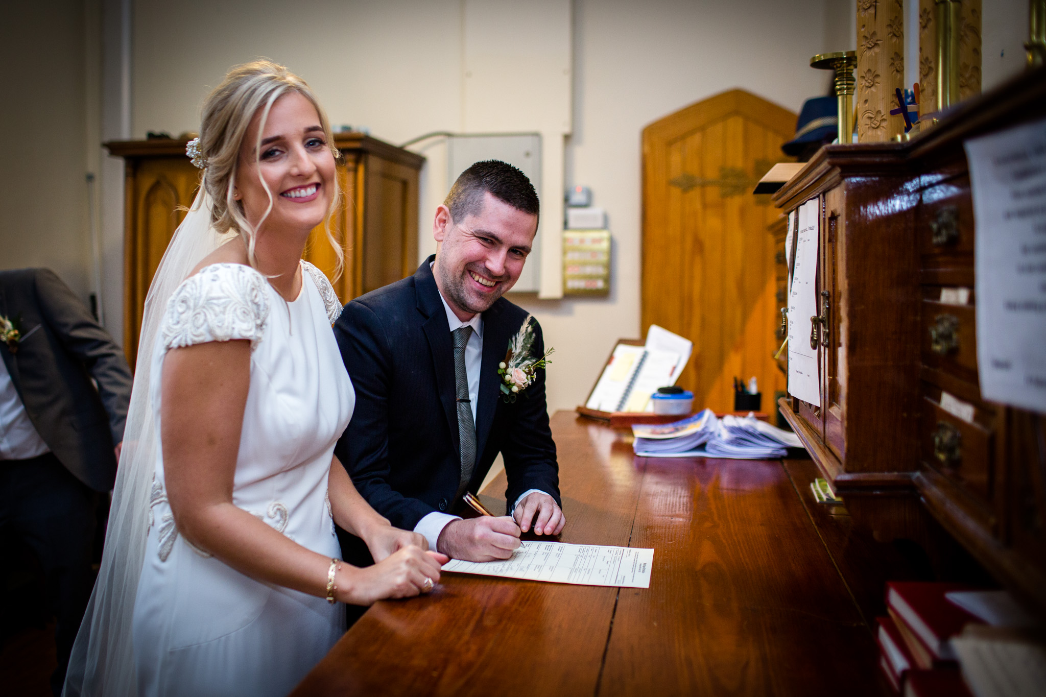 Mark_Barnes_Northern_Ireland_Wedding_Photography_Ballyscullion_Park_Wedding_Photography_Stef&Bobby-24.jpg