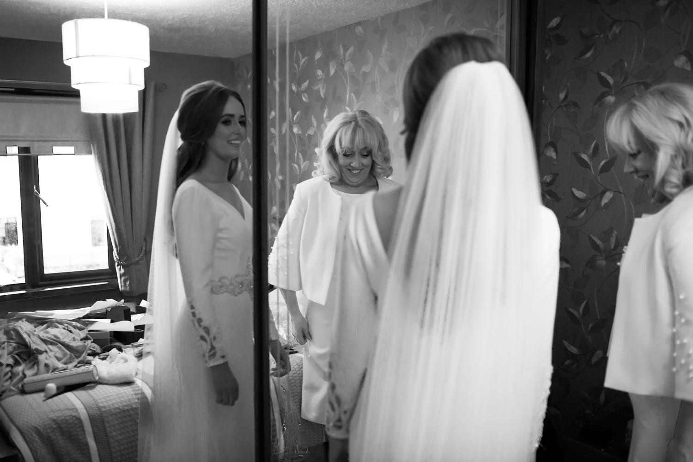 Mark_Barnes_Northern_Ireland_wedding_photographer_Lough_Erne_Resort_Eniskillen_Wedding_photography-Full res-7.jpg