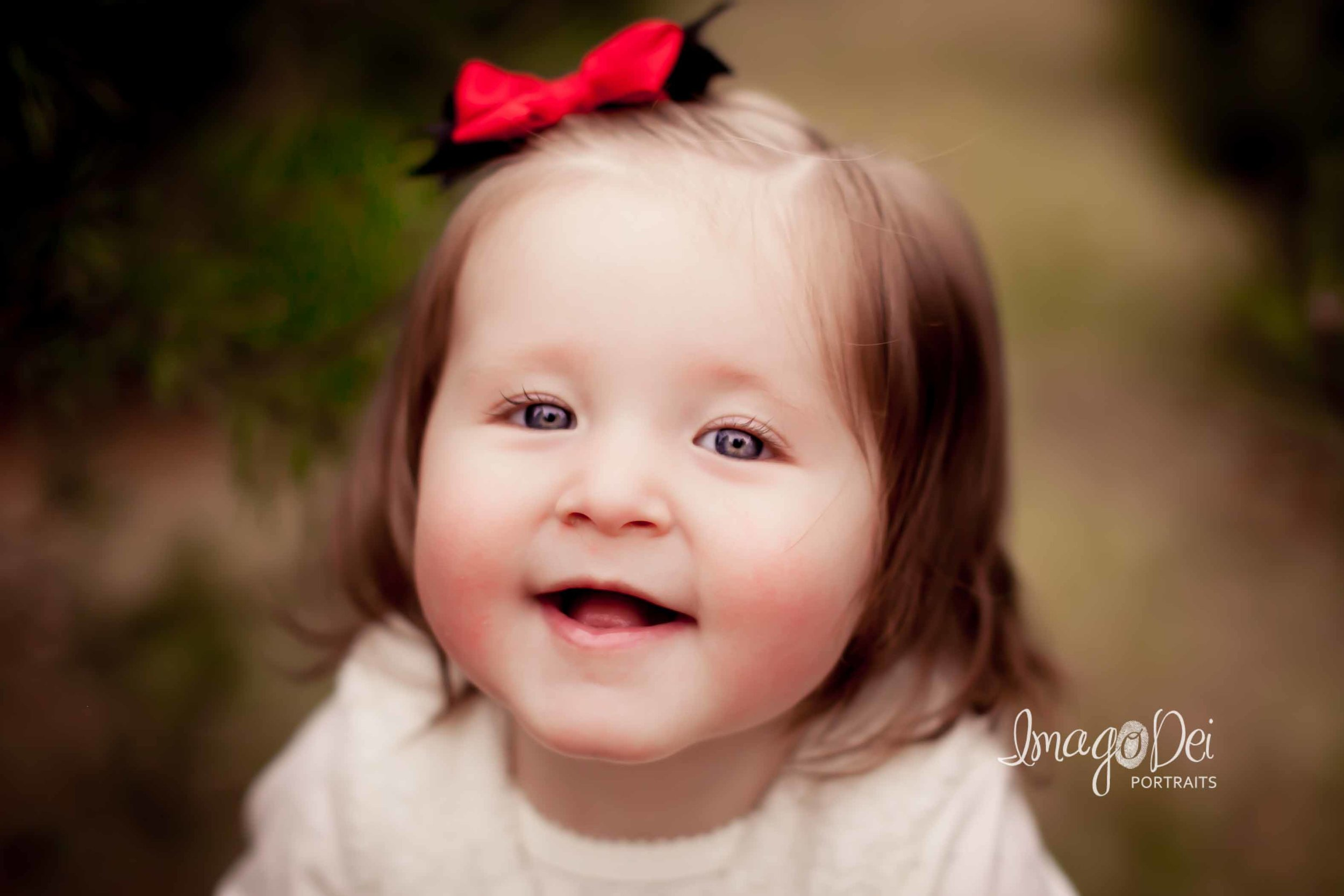 "- ""Our Christmas session was fun, efficient, and laid back. Crystal took high quality photos of our family, and we enjoyed the process.""-Janelle L"