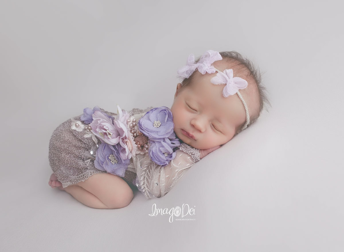"- ""Amazing photographer, quick turn around on sneak peeks. All the pictures were amazing it's hard to pick out favorites. I highly recommend Crystal to capture your newborn photos as we all know how fast they grow. You will not be disappointed.""-Jessica T"