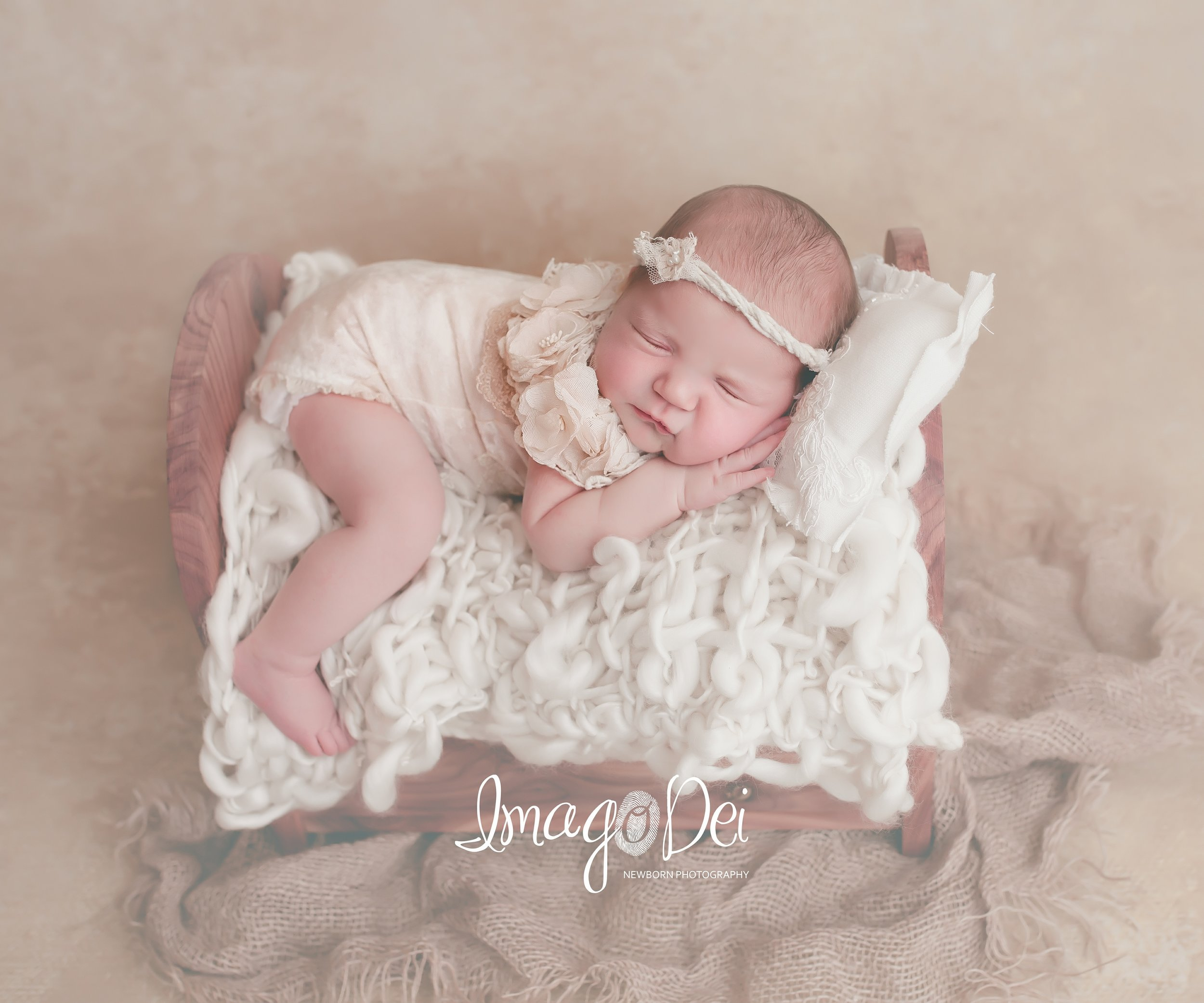 Imago Dei Newborn Photography- Lake Reg-4.jpg
