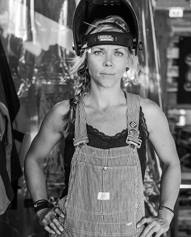 I am deeply shook by the loss of this human.  I didn't know her well, and when we connected over being the only woman at Babes Ride out that didn't drink and had a long conversation in the back of the party about what inspires and drives us, I had no idea of all of her achievements and celeb status. I had no clue who she was. She scribbled her email on a card and wanted to bring me out to LA to show folks how to paint on moto helmets, and have me help her documentary about her breaking the land speed record. She was an energized light that was contagious and inspired me to be the same. She was the best part of that event for me. I think she met every human with that same warmth and genuine kindness and the fact she took the time to get to know nerdy nooby ol me meant a lot.  Her email is still sitting in the saddle bag on my bike. Though we commented here and there on instagram after that I was always thinking about what I would email her about future collaborations and would get to it when I had some time to compose something perfect to say. But I never did. Today I am humbled by the painful reminder of mortality.  My thoughts are with those close with her and everyone else who she inspired. And thank you to @babesrideout for the opportunity for me to have that amazing conversation with her.