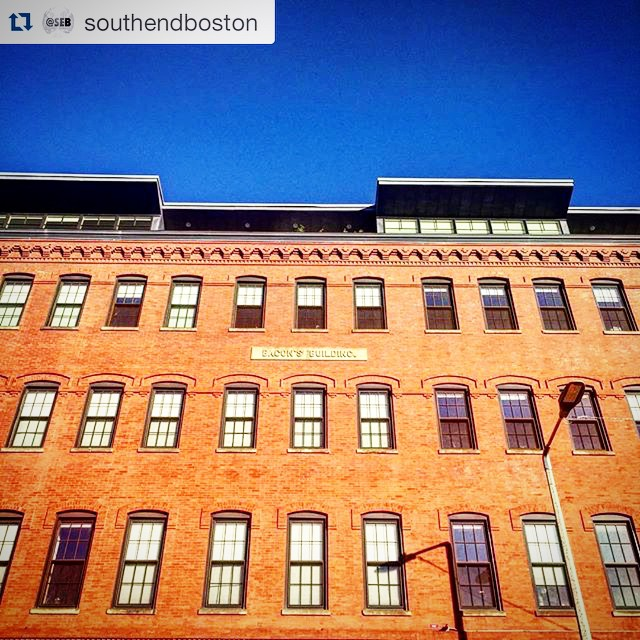 Bacon's Building...now I'm hungry 😂 Reposted from @southendboston  While most people in #Boston may not know where the Bacon's Building is, people who take #BostonPedicab's amazing South End Special tour roll right by it, learning about the quirky history of the Southern #SoWa section of the #South End.  It's buildings like these that are why we say #OnlyOnAPedicab.  #OnlyOnPedicab #pedicabnation #150RidesOfSummer # #617 #southendboston #bostonsouthend #igboston #ig_boston #ma #newengland #igersboston #iheartboston  #lovethesouthend  #scenesofma #visitma #bostonusa #bostondaybook  #instagood