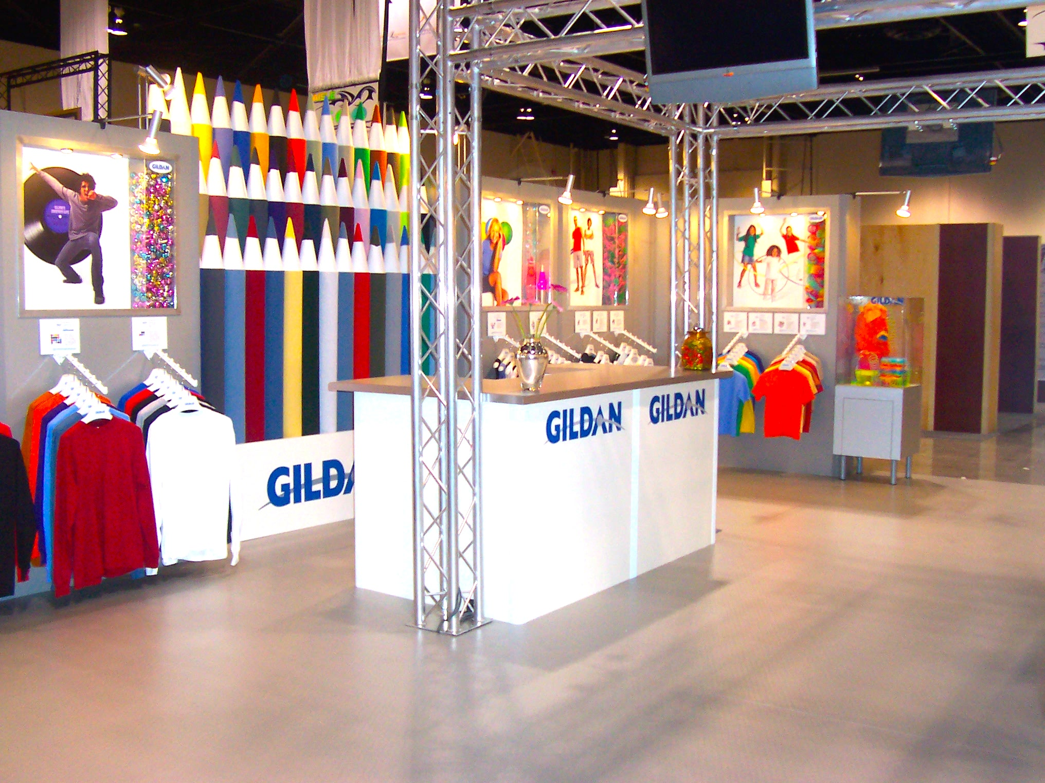 Montreal-based Gildan Activeware is North America's second most productive apparel company, with profit margins of 14.66%. Tradeshow booth photo:www.visualmerchandisinggroup.ca