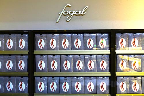 Fogal hosiery display. Photo:www.fashionfish.ch