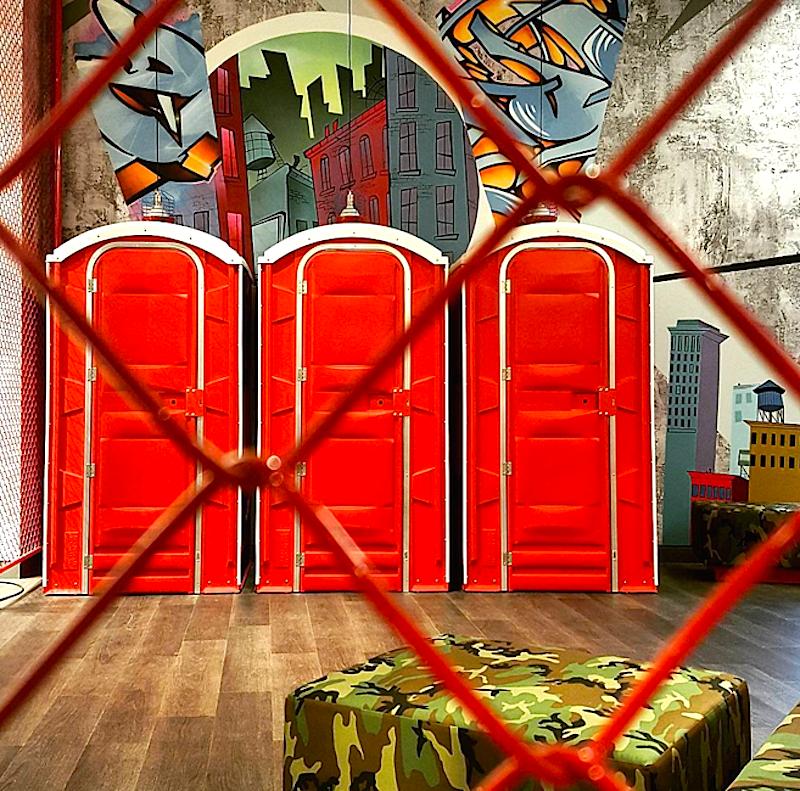 Dressing rooms. Photo: engclau via Instagram