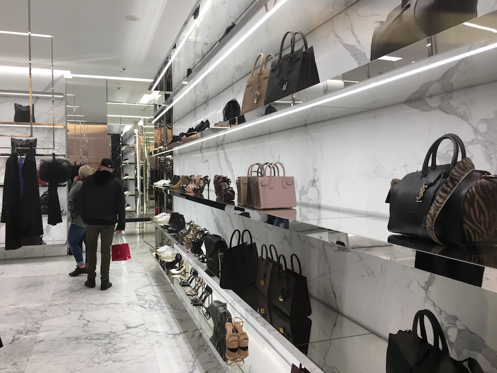 (Women's handbags and shoes, with women's ready-to-wear to the left)