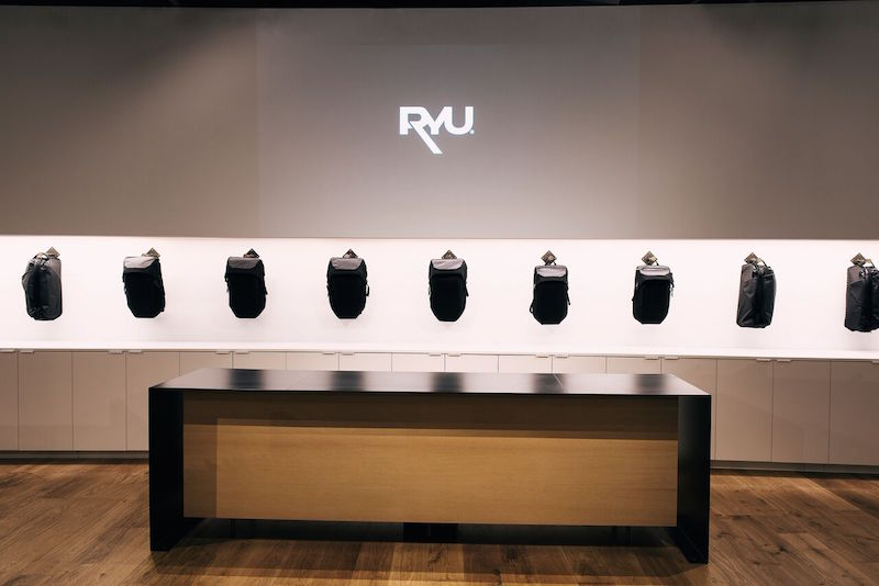 (park royal store: Architect:   Tony Robins  , Fixture design/engineering:   Peregrine  )