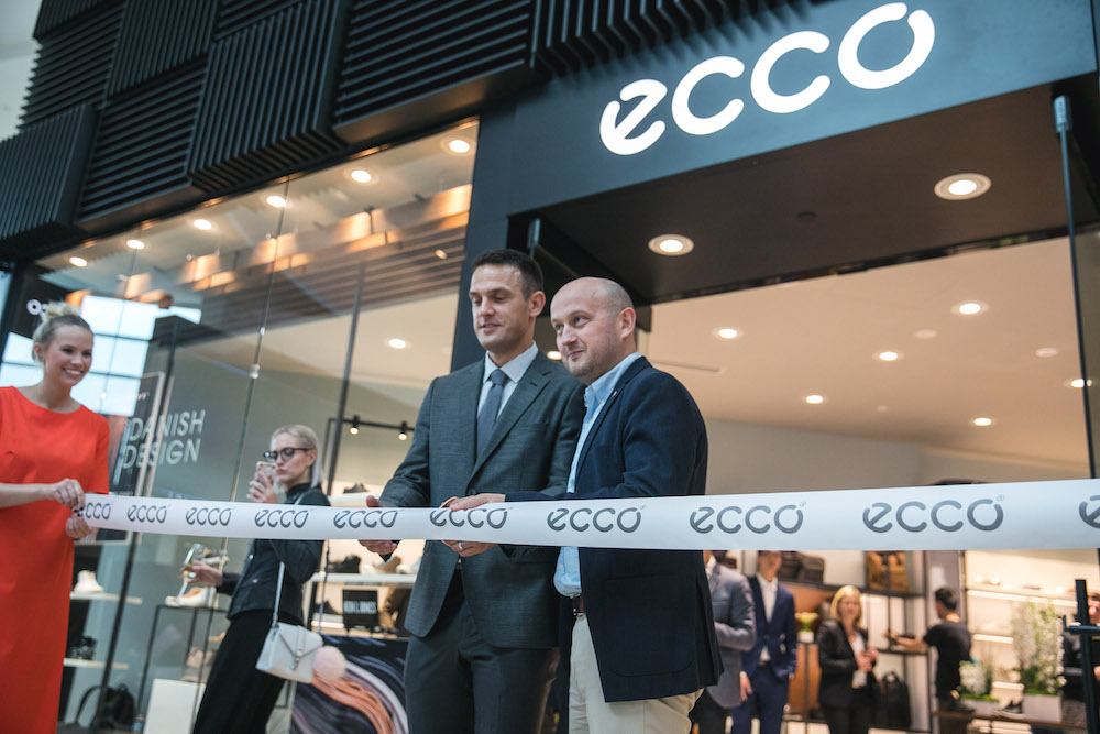 (Jordan Searle, President of ECCO Shoes Canada, opens the new Yorkdale store)