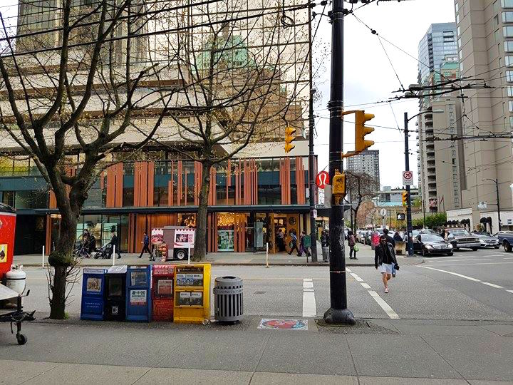 (Lululemon flagship at the southeast corner of Robson Street and Burrard Street. Photo: Ritchie Po)