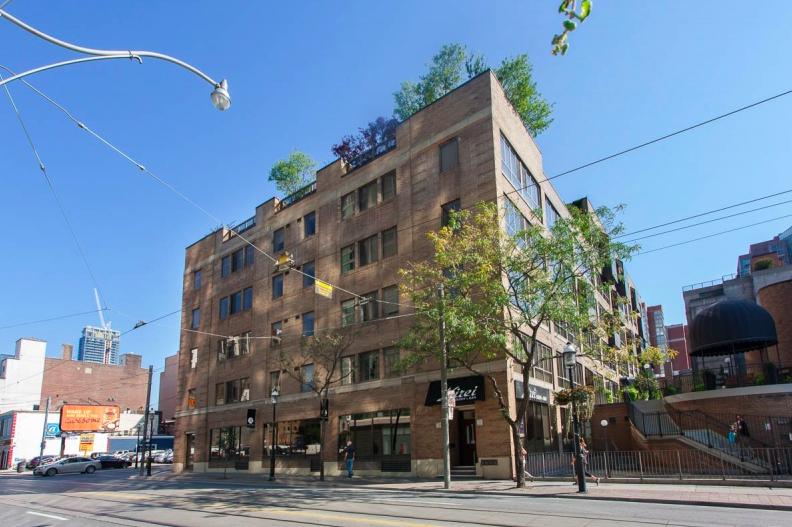 ('The bentley' condominium building at 55 Lombard Street in Toronto got its start as a parking garage. Photo:juliekinnear.com)