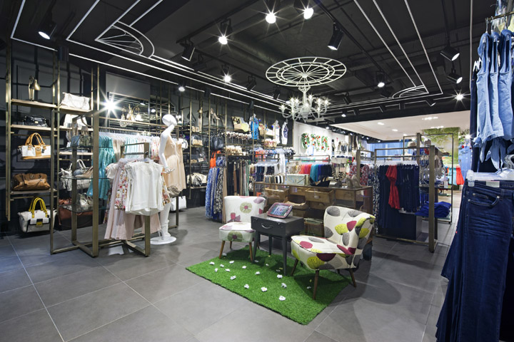 Oasis-store-at-Trinity-Centre-by-Dalziel-and-Pow-Leeds-UK-03.jpg