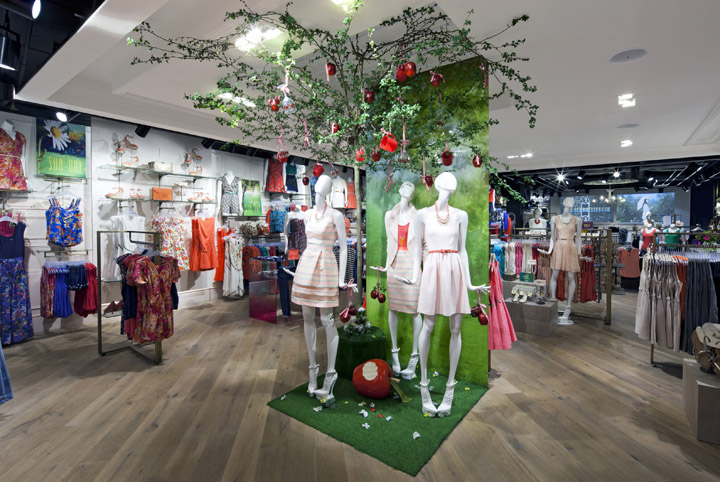 Oasis-store-at-Trinity-Centre-by-Dalziel-and-Pow-Leeds-UK-02.jpg