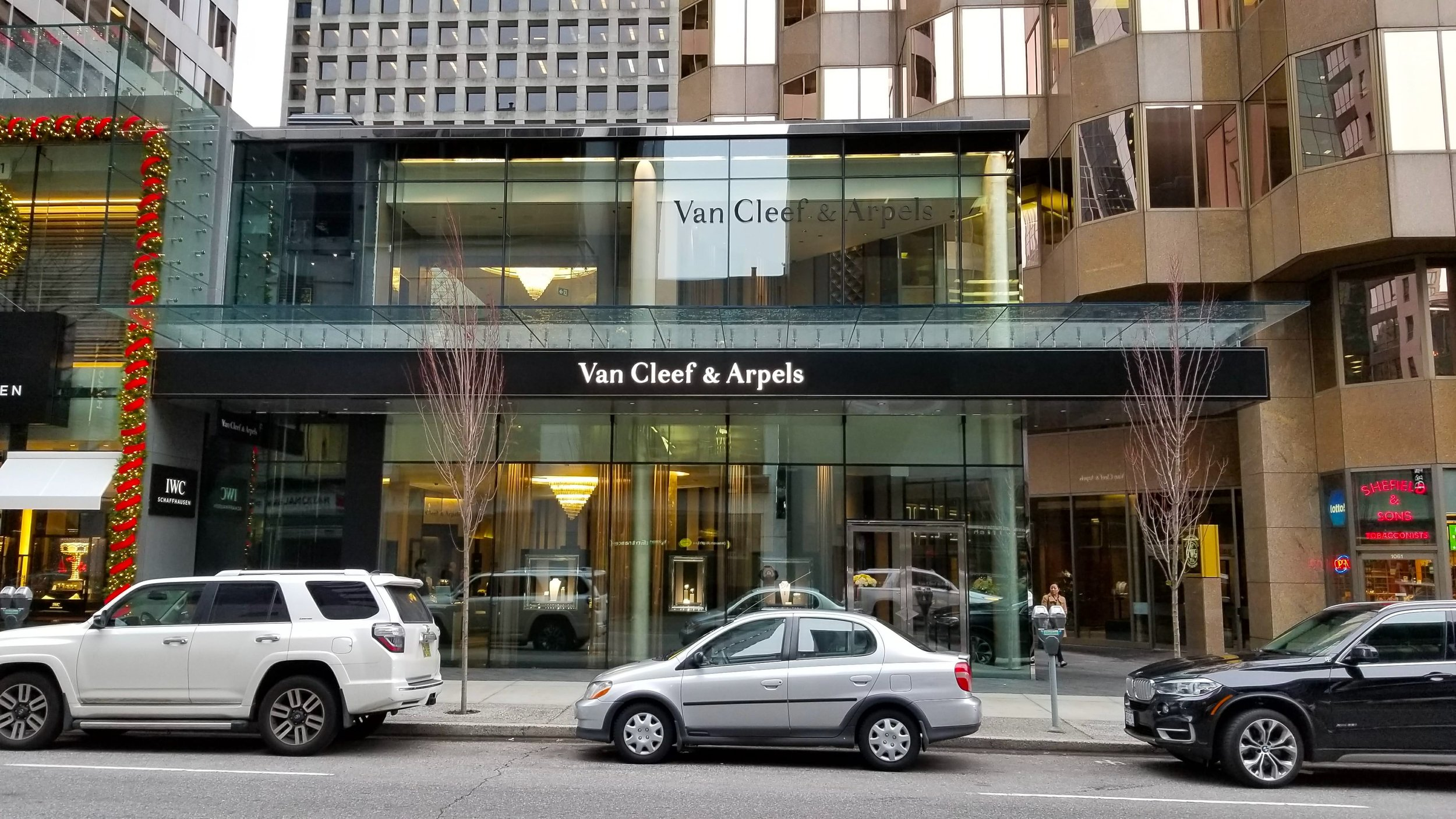 (Van Cleef & Arpels and IWC both recently opend at 1069-1071 Alberni Street. Photo: Helen Siwak)