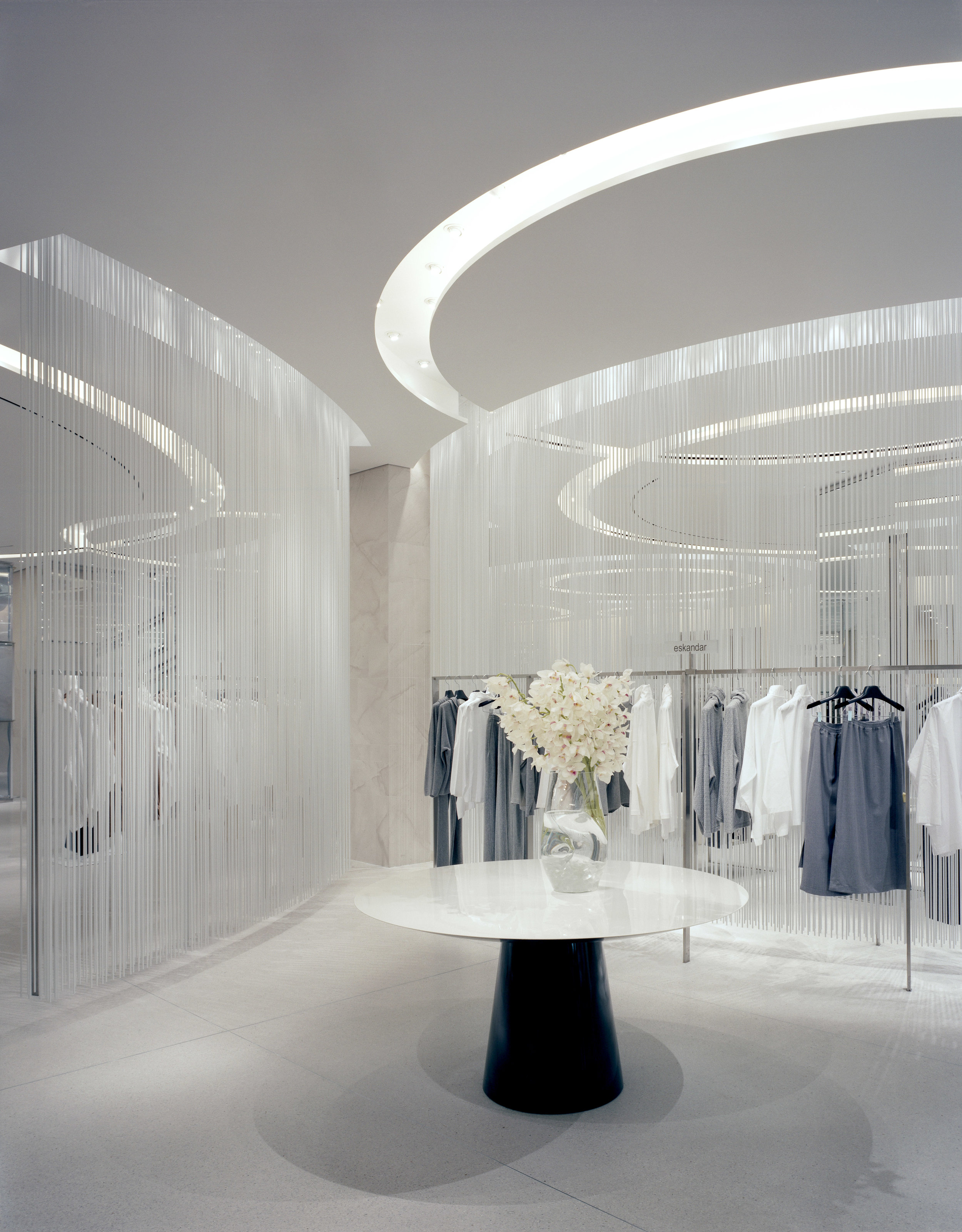 (Holt Renfrew, 50 Bloor St. W., Toronto. Photo:   Ben Rahn, A-Frame Studio  )