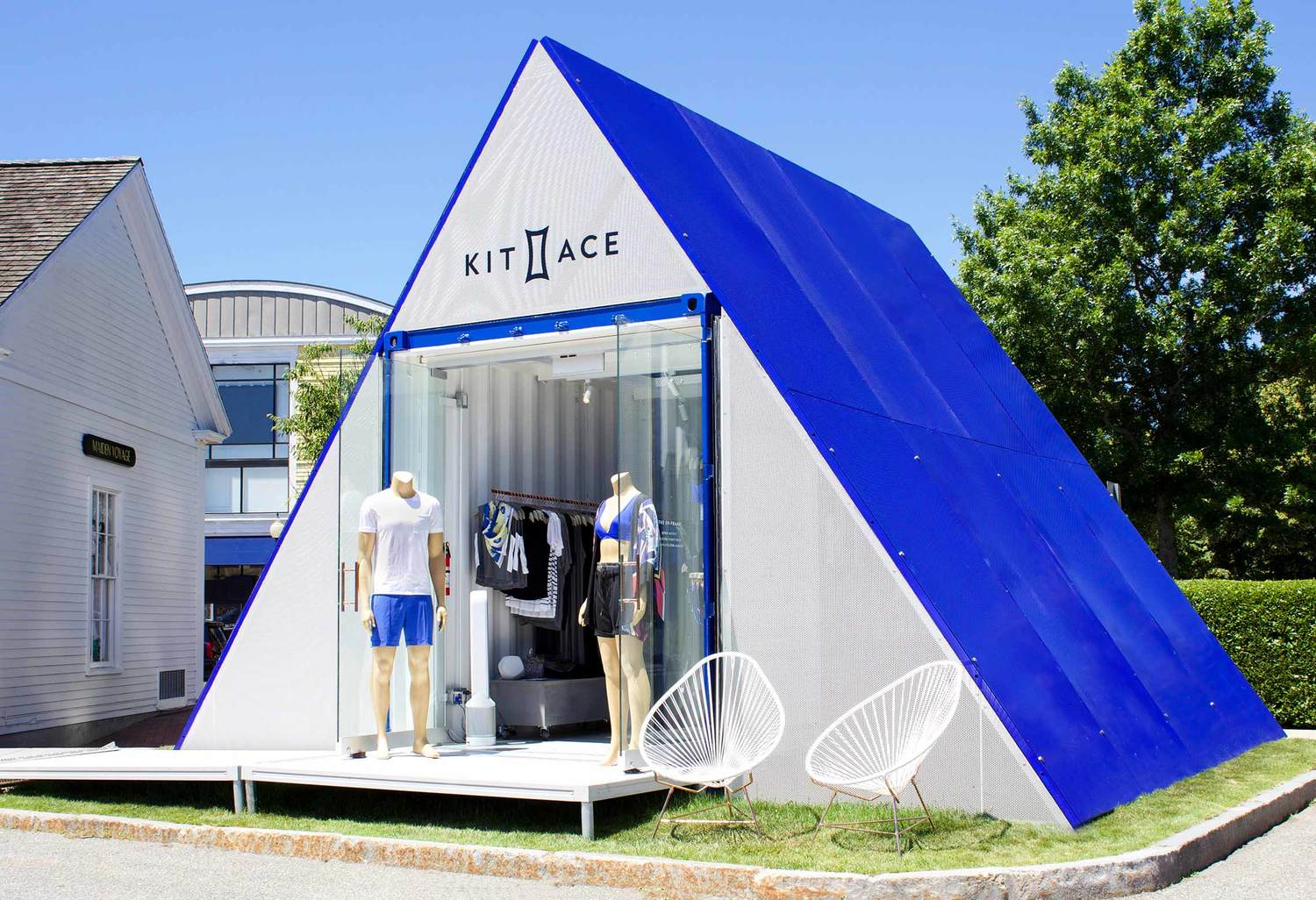 Kit and Ace Eh-Frame Pop-Up (Cape Cod). Photo:  Addicted To Retail