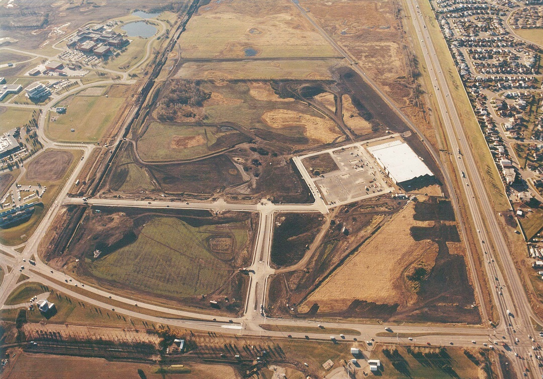 1998 aerial view of south Edmonton Common