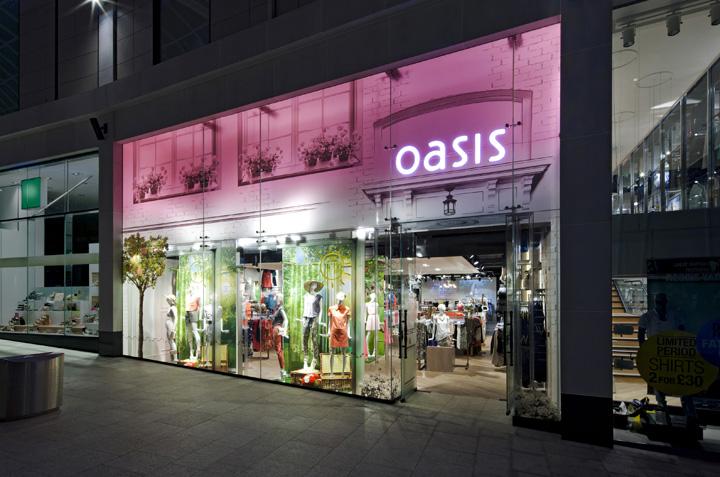 Leeds UK store. Photo:  Retail Design Blog