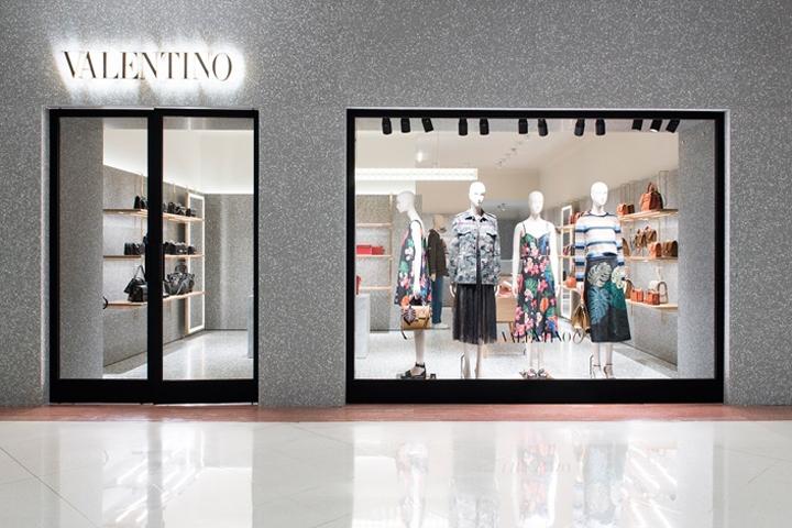 Cidade Jardim mall in São Paulo. Photo:    retail design blog