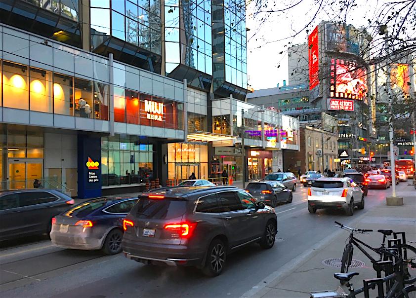 Dundas Street West in Toronto at 4:45pm on Thursday, November 22. Photo: Craig Patterson