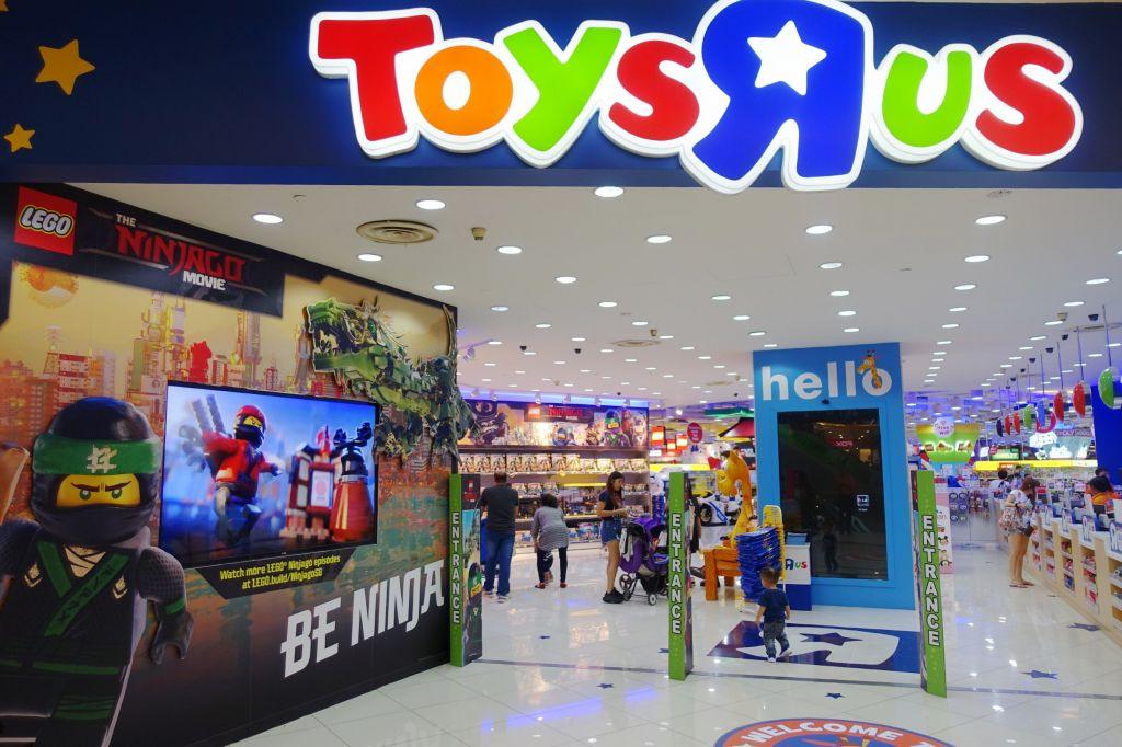 Toys Quot R Quot Us Canada Pilots New Store Concepts