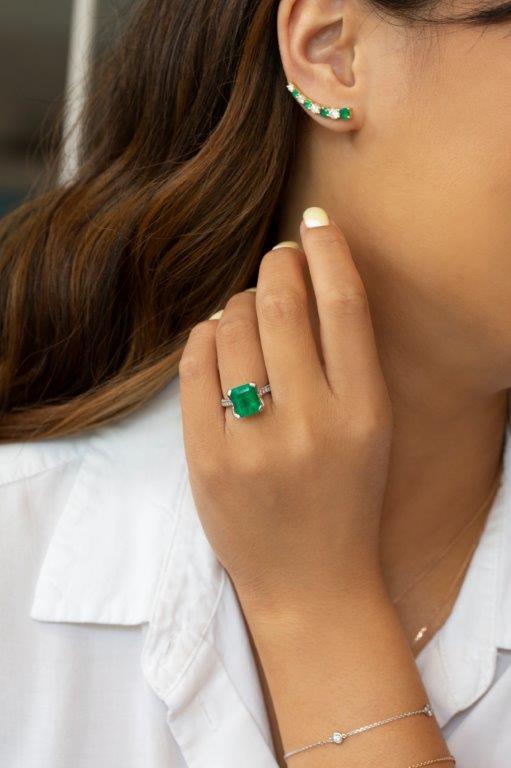 Emerald_ring_ear crawler.jpg