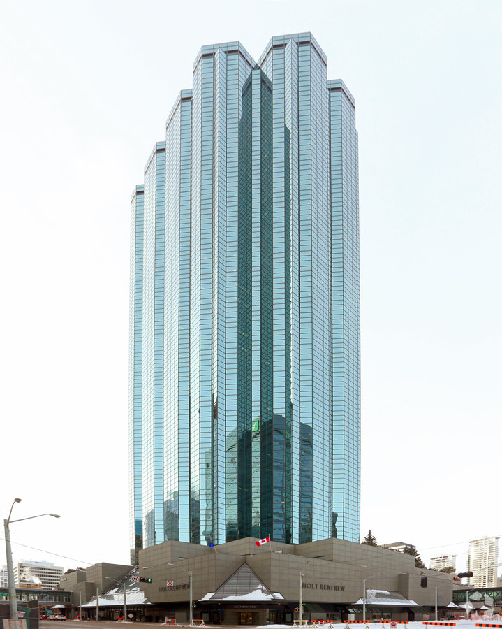 Manulife Place in Edmonton with Holt Renfrew at its base. Photo: loopnet.com