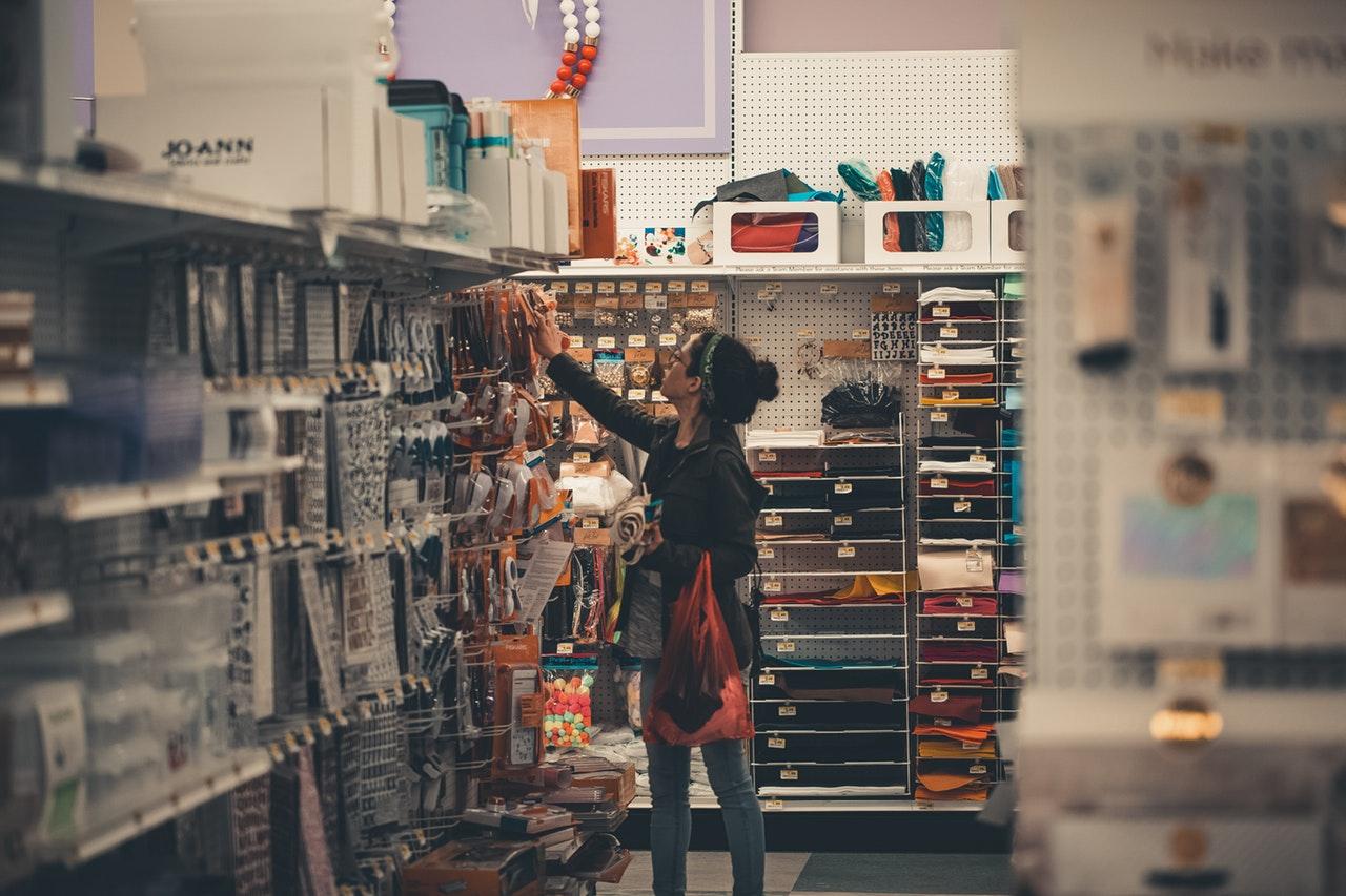 busy-commerce-female-1727684.jpg