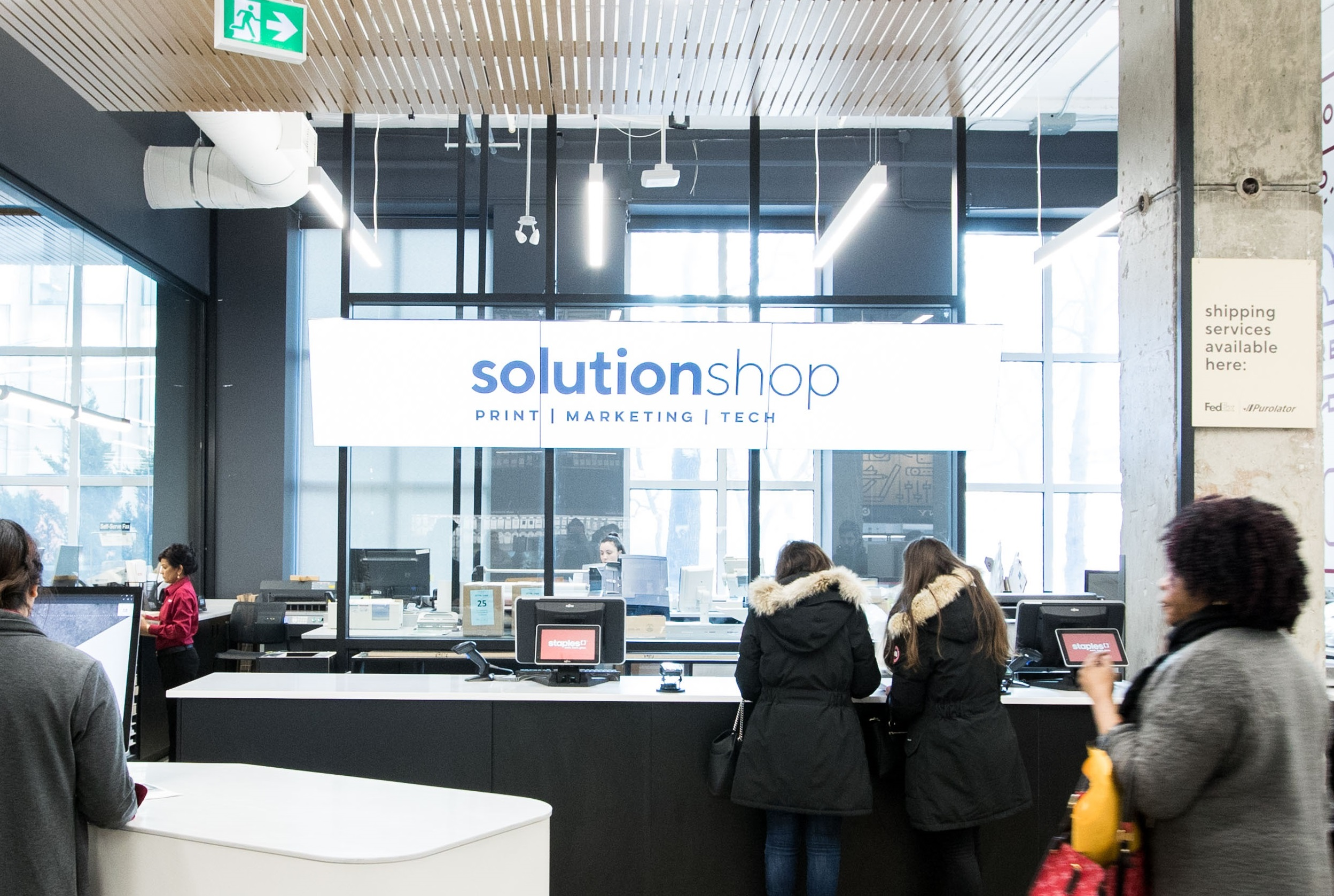 STAPLES' NEW SOLUTIONSHOP PHOTO: STAPLES