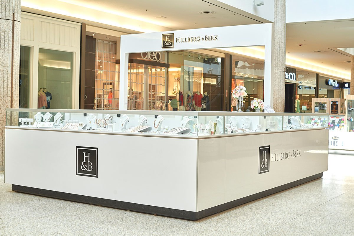 Regina-based jewellery brand 'Hillberg & Berk' has been utilizing a kiosk strategy to expand its base of stores. This location is at Cornwall Centre in Regina. Photo: Hillberg & Berk