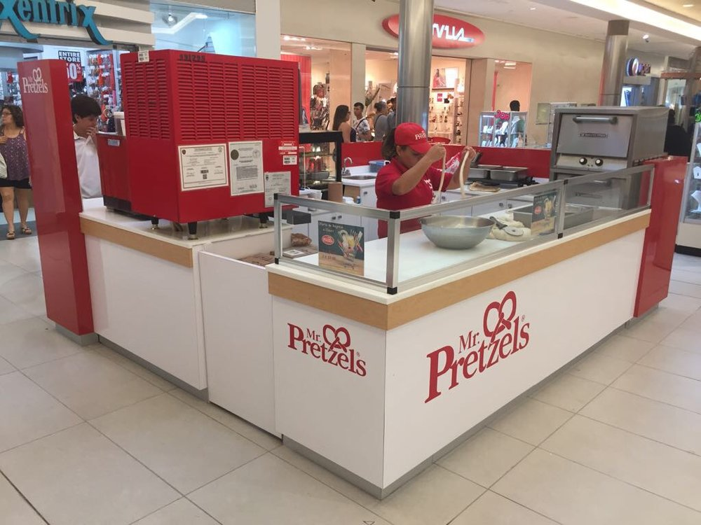Mr. Pretzels has been using kiosks to rapidly expand its locations into various Canadian shopping centres. Photo: Mr. Pretzels