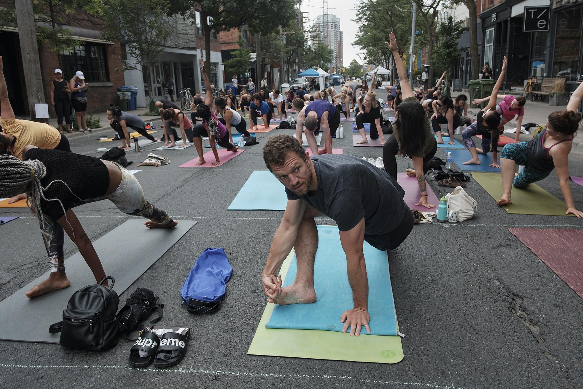 OssFest18 - Street Yoga5.jpg
