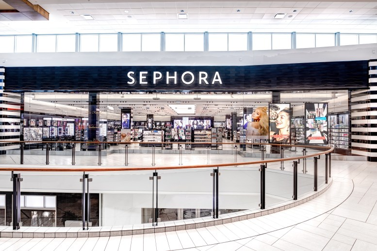 sephora cf chinook centre photo: amachris coporation