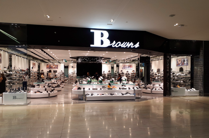 Browns Shoes just opened one of its largest stores at West Edmonton mall, in a space formerly occupied by Williams Sonoma. Photo: Christopher Lui
