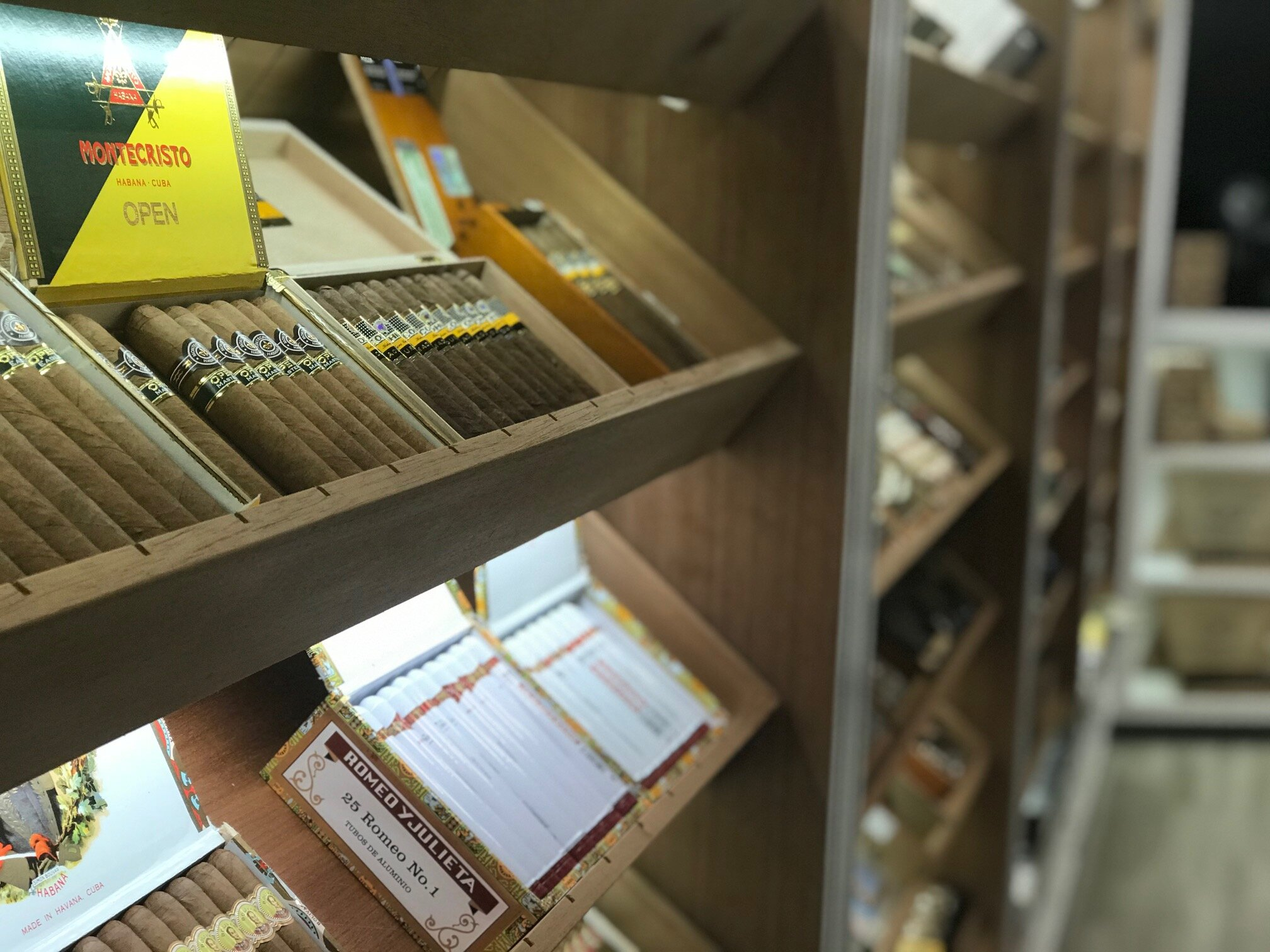 photos: tobacco outlet cigar boutique