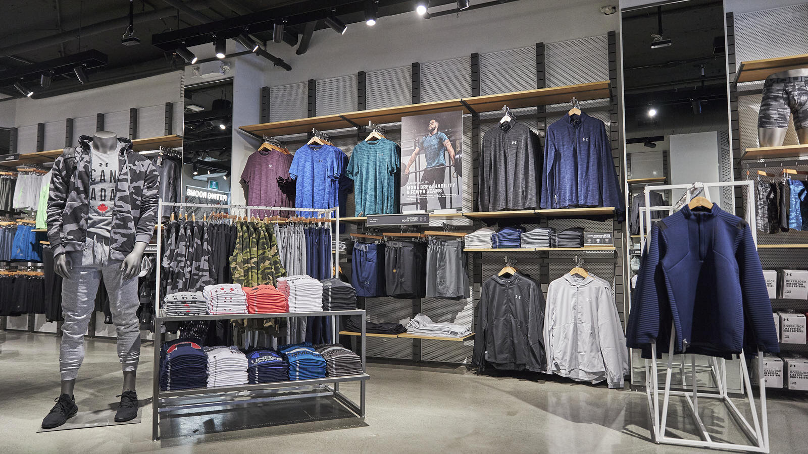 compresión autobús Hito  Sportswear Brand 'Under Armour' Launches Canadian Store Expansion with 1st  Location [Photos]