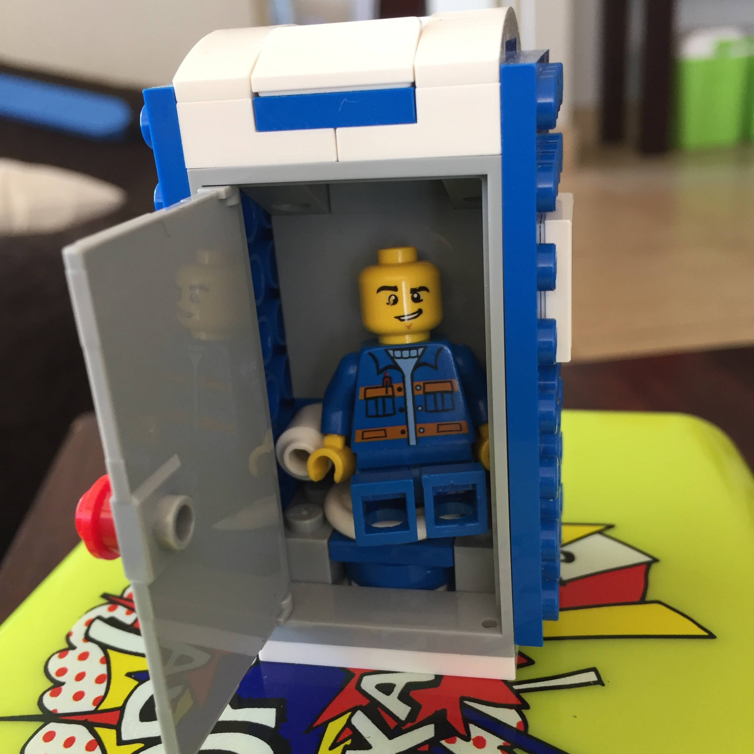 Again, the Lego port-o-let.