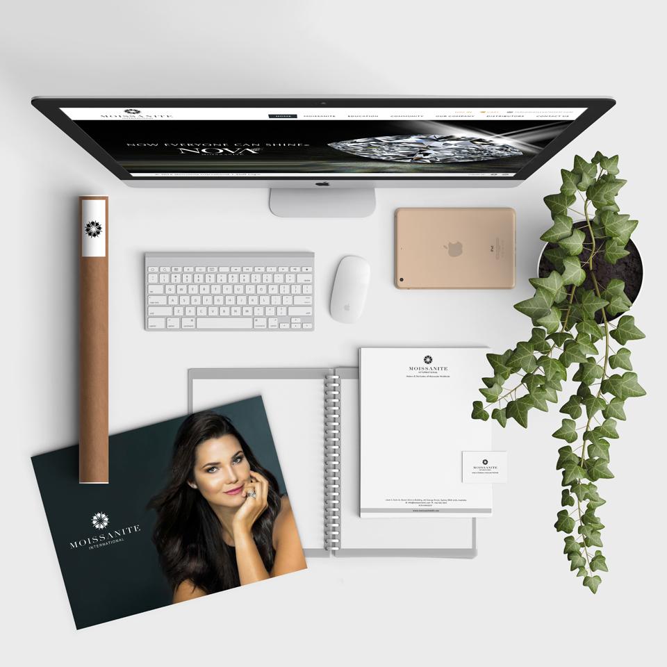 MI_insta_desk.jpg