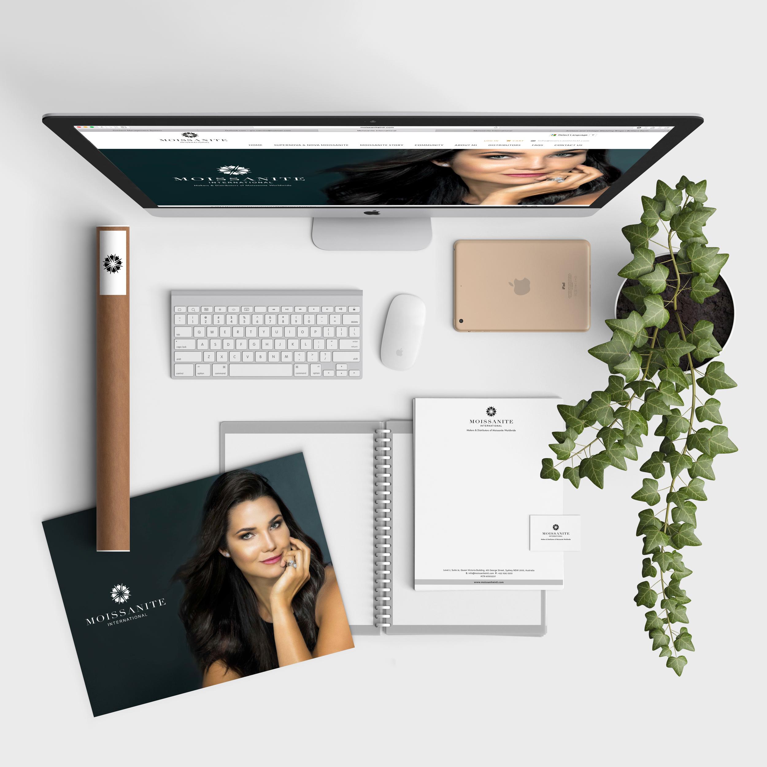 Desk MI.jpg