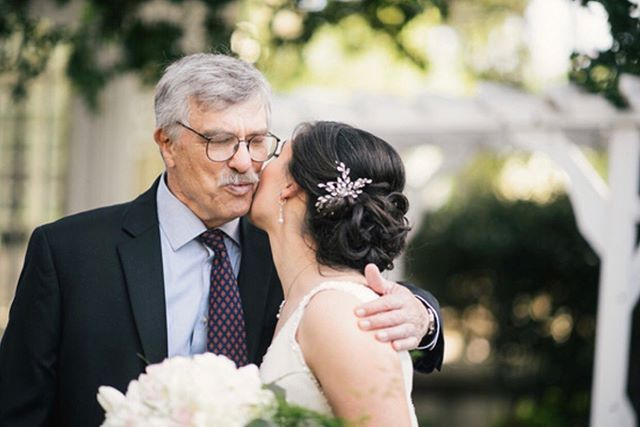 Father/daughter first looks are the sweetest! Margaret has the most beautiful hair and I just loved creating  this romantic updo for her💕🌿 . . . . Hair by me @tinaromo1• Photo @teresakphoto• Makeup @shanabealsmakeup• Venue @vizcayasac• Coordinator @mrsaliboule• . #vizcayawedding #vizcayaweddings #vizcaya #sacramentoweddinghair #sacramentoweddingvenue #romantichair #fatherdaughterfirstlook #bridalhair #weddinghair #updo #bridalupdo #stylemepretty #modernbride #norcalwedding #sacramentowedding #winerywedding #californiawedding #amadorwedding  #sideupdo #romantichair #bohohair #destinationwedding #theknot #weddingwire #bridestyle #bridesquad #bridalbeauty #upstyle #sidesweptcurls #sacramentobridalbeauty