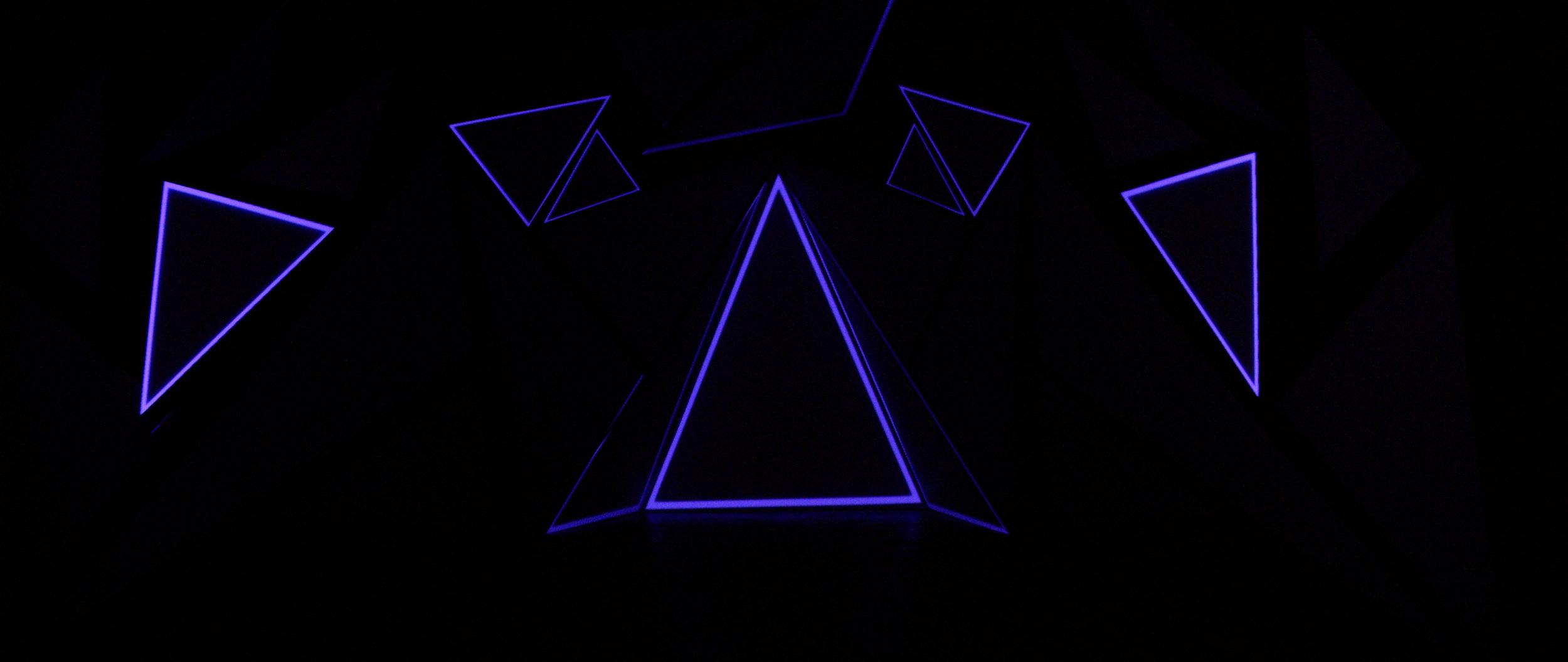 triangleroom_09.jpg