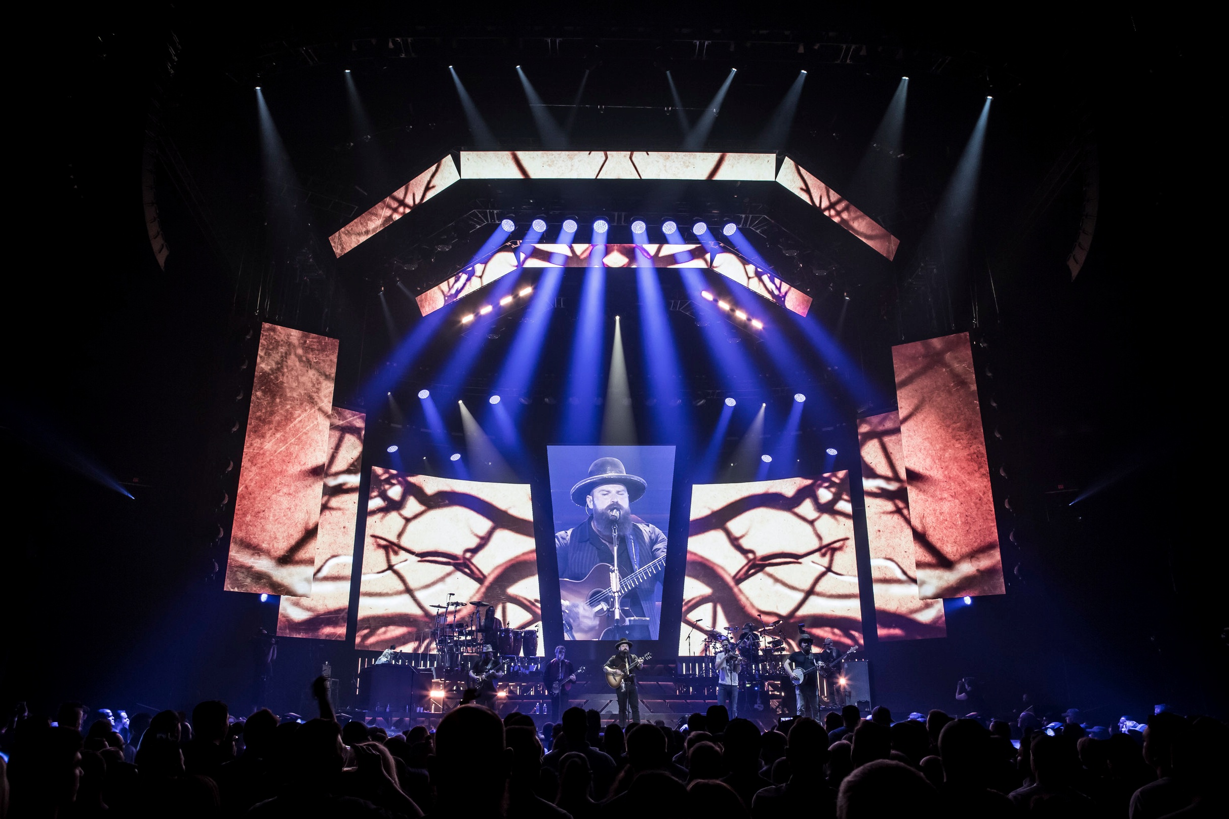 ZAC BROWN BAND . WELCOME HOME TOUR