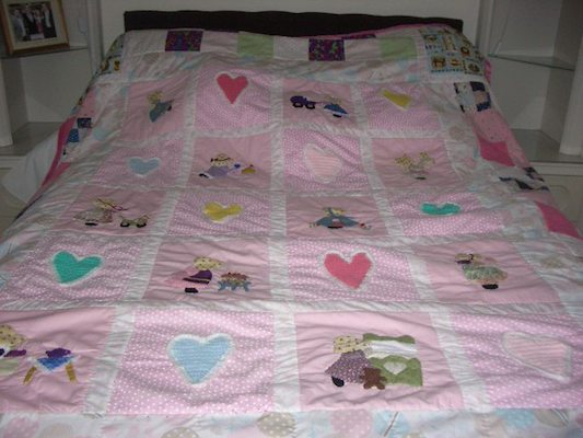 Heather's Sun Bonnet Quilt .jpg