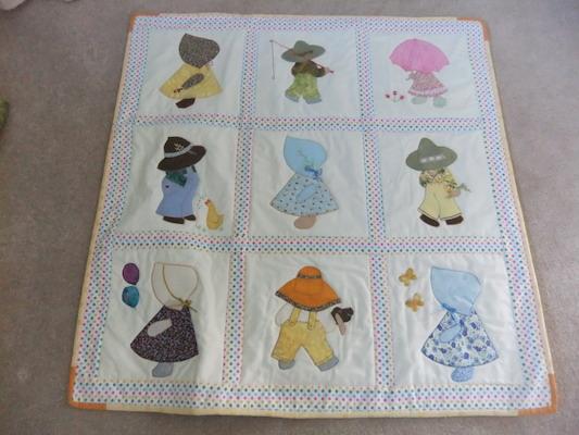 Sarah's quilt 3.JPG