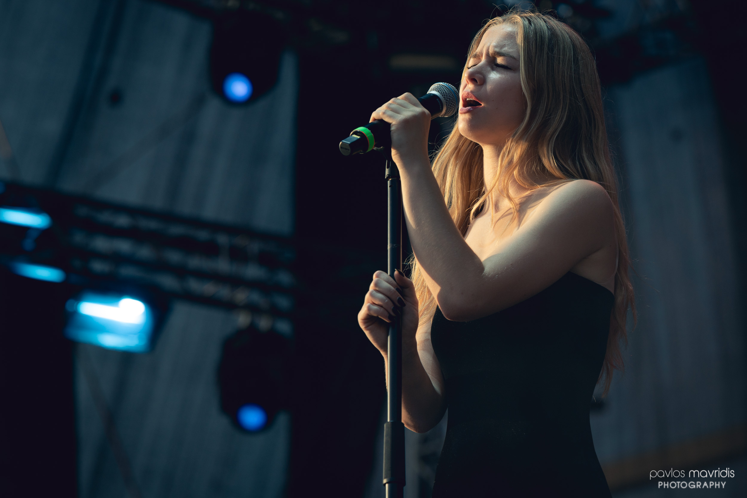 Hooverphonic_Release Athens 2019_08_hires_web.jpg